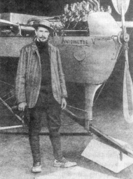 1.С.Ф.Дорожинский у самолета Антуанетт-IV.