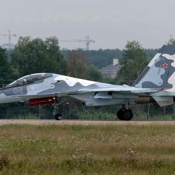 1.Су-30МК2 после посадки.