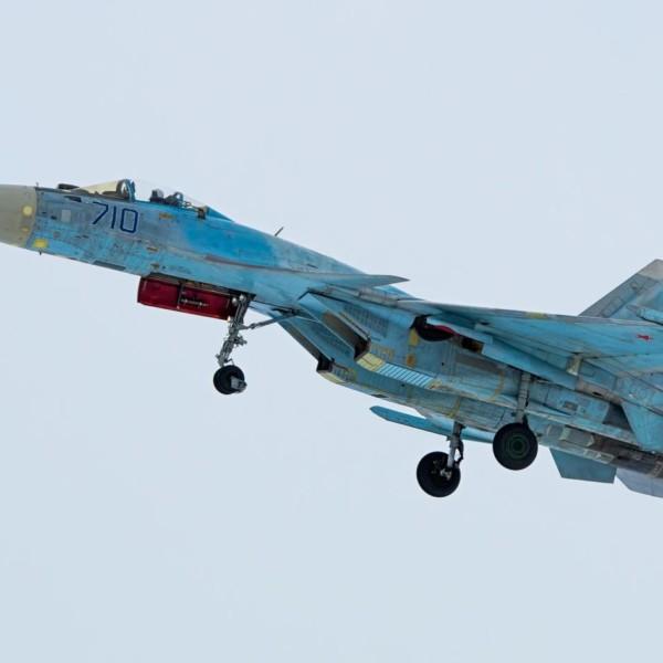 10.Су-35 первой серии на взлете.