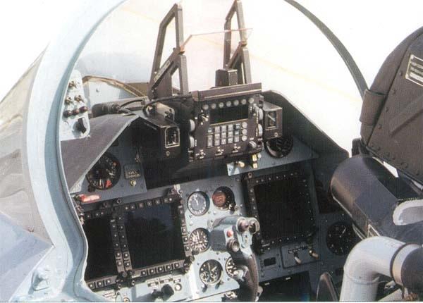 11.Кабина пилота Су-30МК
