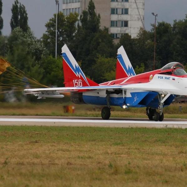 11.МиГ-29ОВТ бортовой № 156 после посадки. 2