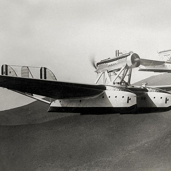 11.Savoia-Marchetti S.55Х в полете.