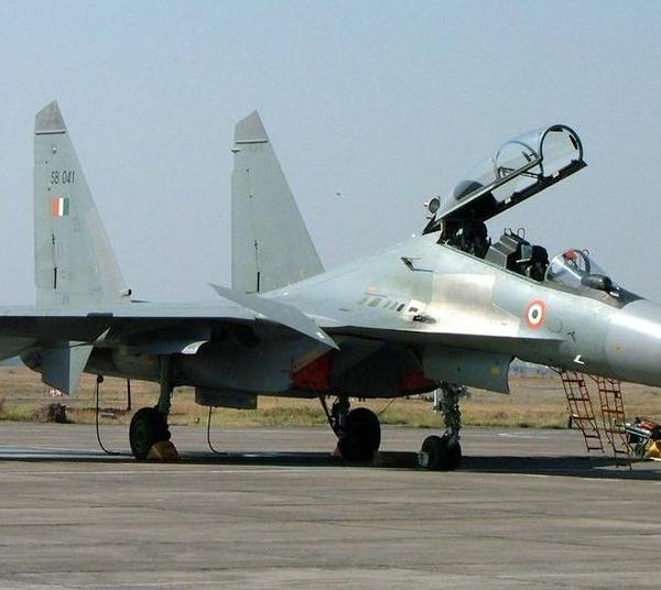 11.Су-30МКИ ВВС Индии на стоянке.