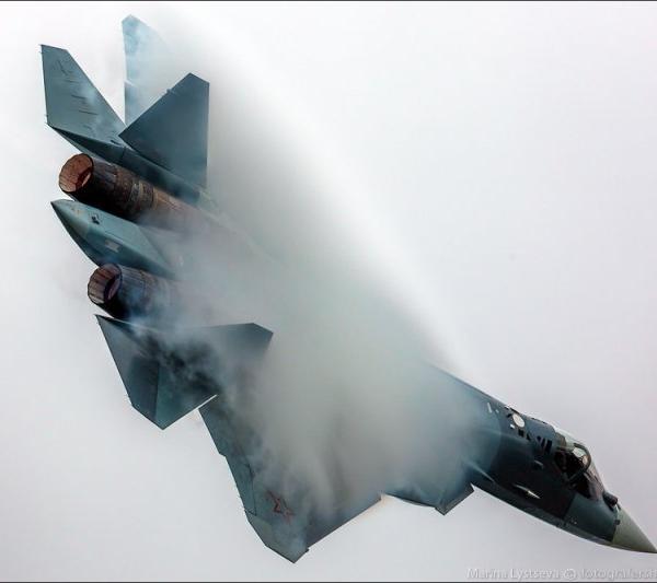 11.Т-50-2 борт №052 в полёте. МАКС-2013.