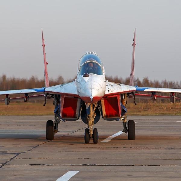 12.МиГ-29УБ пилотажной группы Стрижи. 3