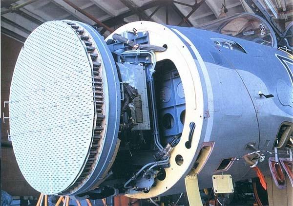12.РЛС с фазированной антенной решеткой на Су-30МК.