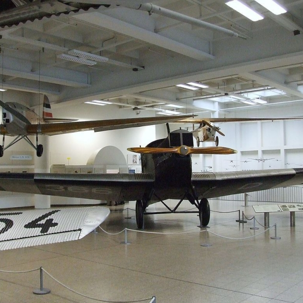 13.Junkers F-13 в авиамузее.
