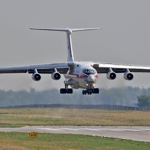 16.Ил-76ТД заходит на посадку.