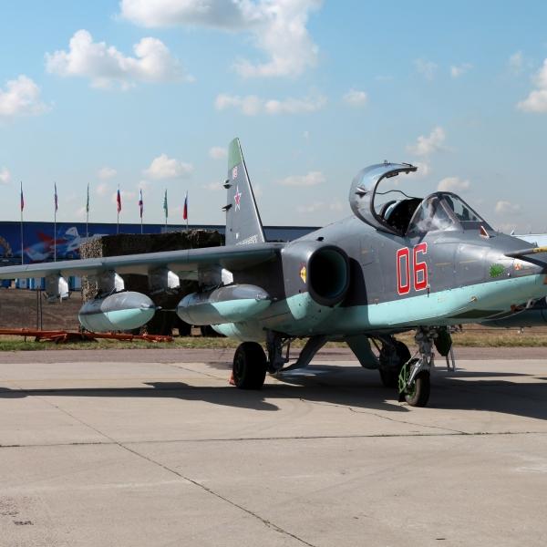19.Су-25СМ на авиасалоне.