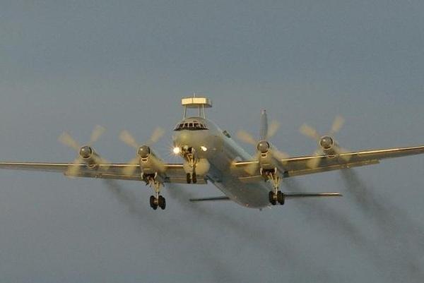 2.Ил-38Н на взлете.
