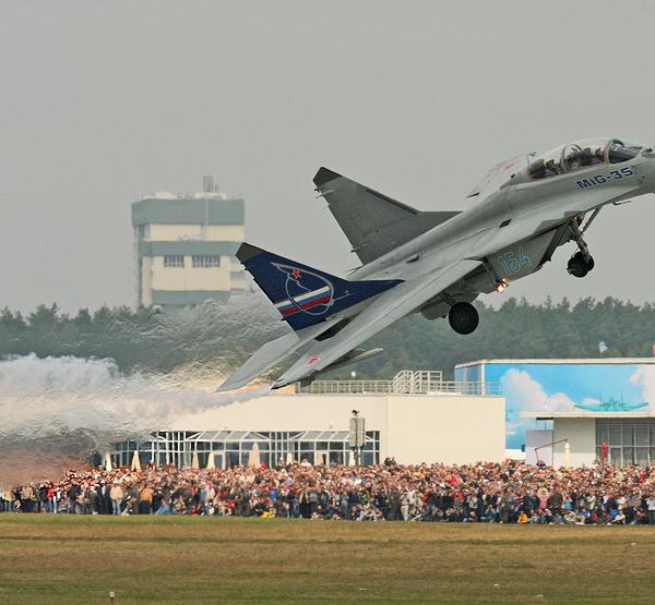 2.МиГ-35 на авиашоу.