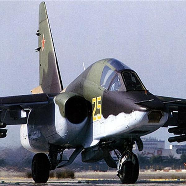 2.Су-39 на рулёжке.
