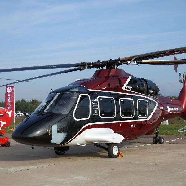 2.Вертолет Ка-62 на стоянке авиасалона.