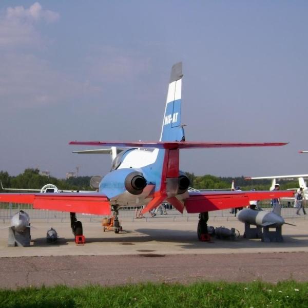 3..МиГ-АТ на аэродроме Раменское. 16 августа 2005 г.