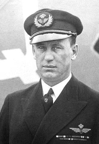 3.И.В.Смирнов пилот авиакомпании KLM.