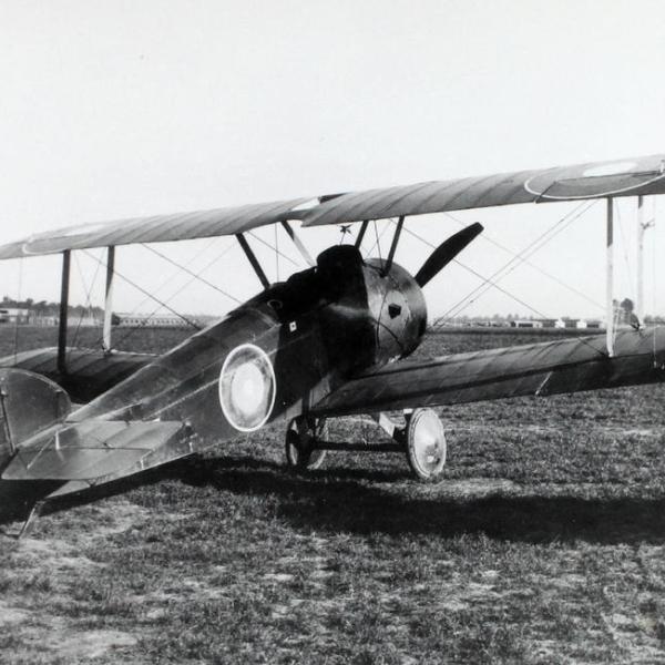 3.Истребитель Sopwith F.1 Camel ВВС Англии.