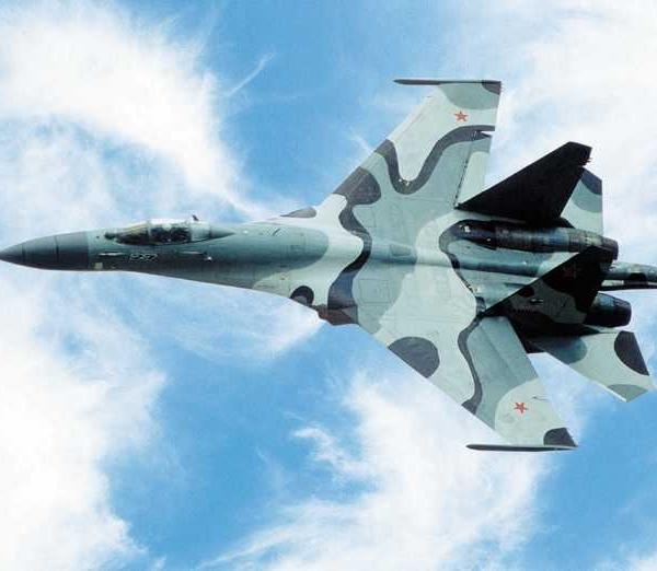 3.Опытный Су-30КИ в полете.