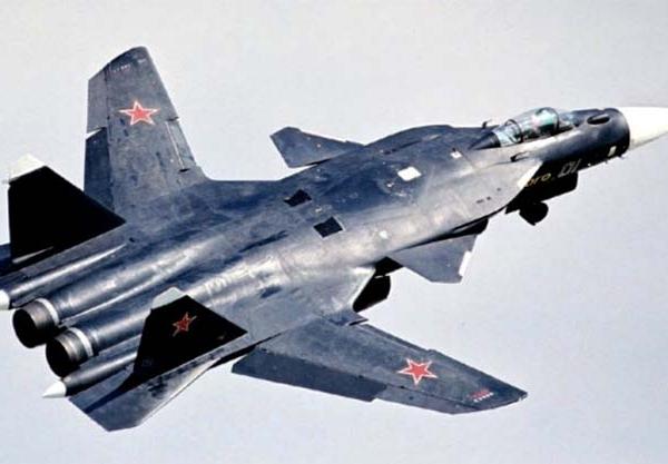 3.Су-47 после взлета.