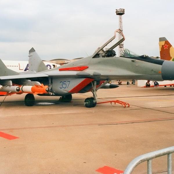4.МиГ-29СМ выставочный № 357