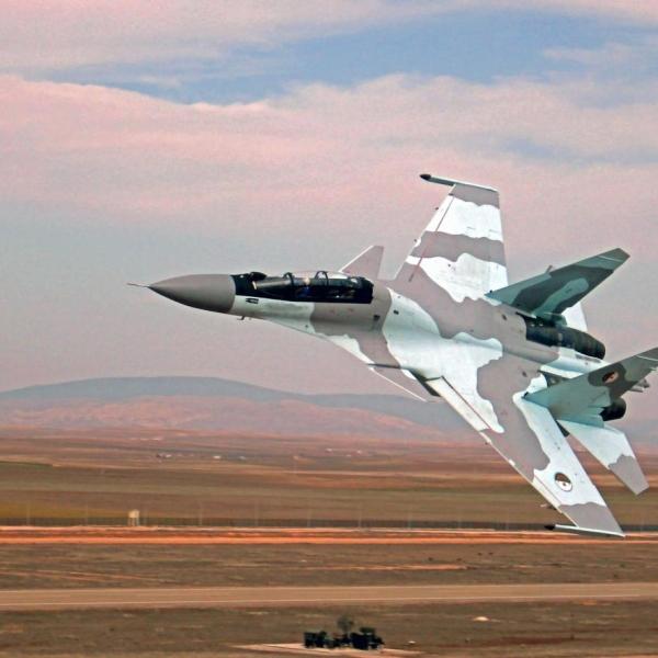 4.Су-30МКА ВВС Алжира в полете.