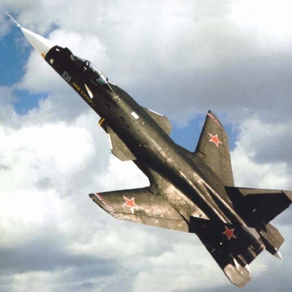 4.Су-47 в полете.