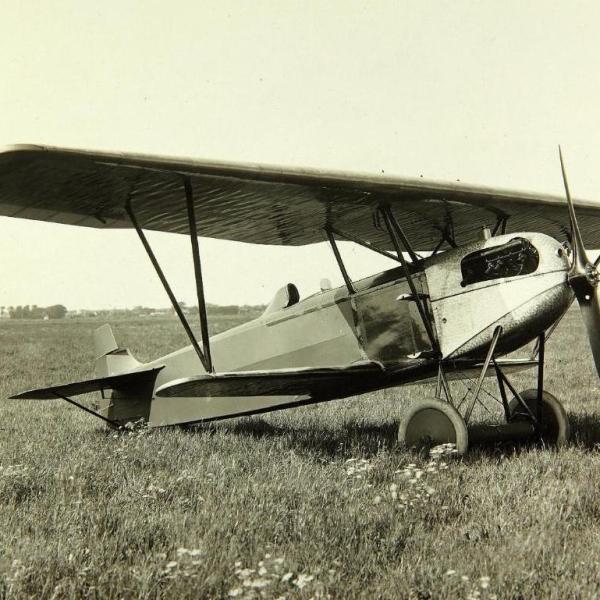 5.Истребитель Fokker D.XI