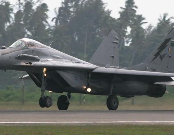 5.МиГ-29Н ВВС Малайзии после посадки.
