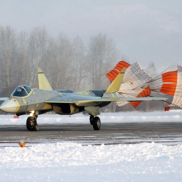 5.ПАК ФА Т-50-1 после посадки.