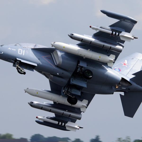 5.Як-130 на взлете.