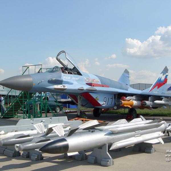 6.МиГ-29СМТ на авиавыставке.