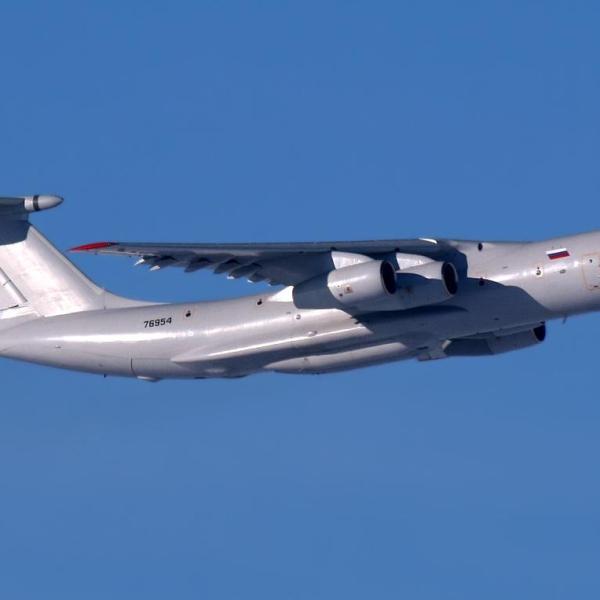 7.Ил-76МФ в полете.