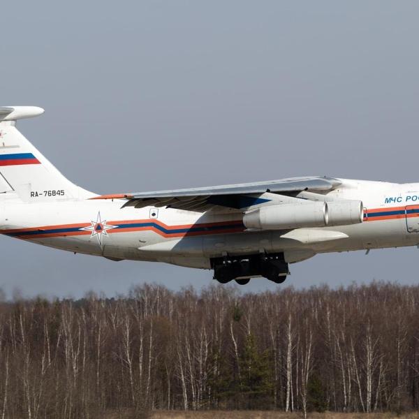 7.Ил-76ТД МЧС России после взлета.