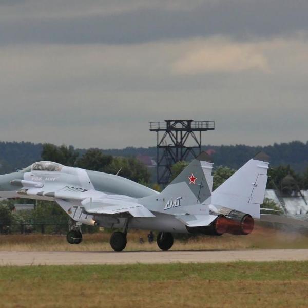 7.МиГ-29СМТ на взлете