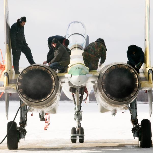7.Первый прототип Су-35С на стоянке.