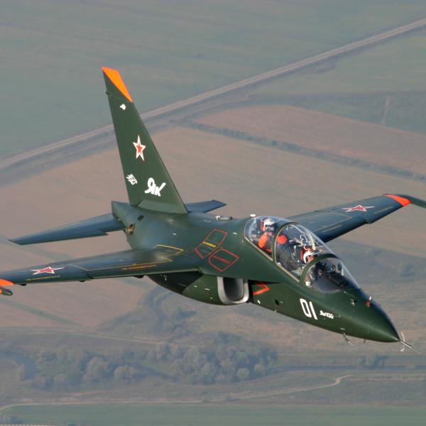 7.Як-130 в полете.