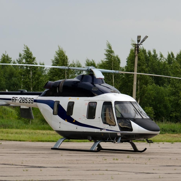 7б.Вертолет Ансат на стоянке.