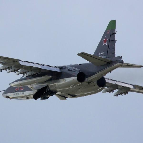 8.Су-25СМ после взлета.
