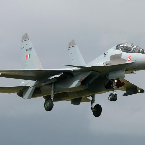 8.Су-30МКИ ВВС Индии заходит на посадку.