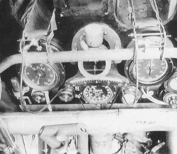 9.Приборная панель Sopwith F.1 Camel.
