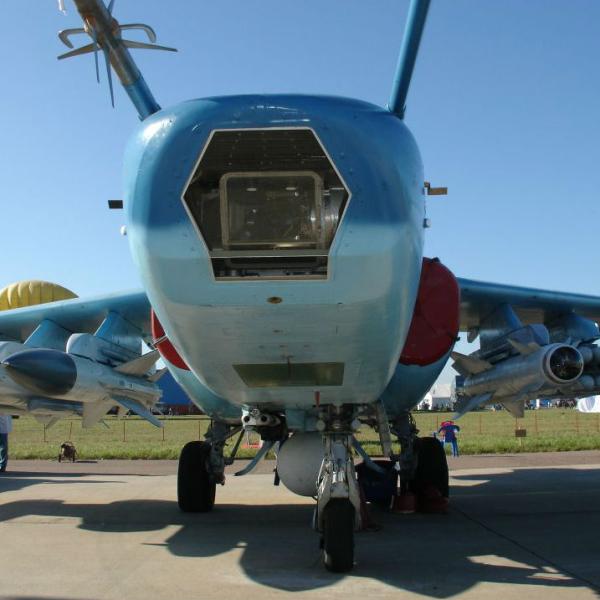 9.Су-39. Вид спереди. 3