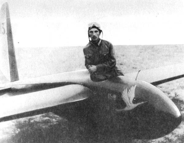 1.Грибовский на планере Г-2. 1927 г.