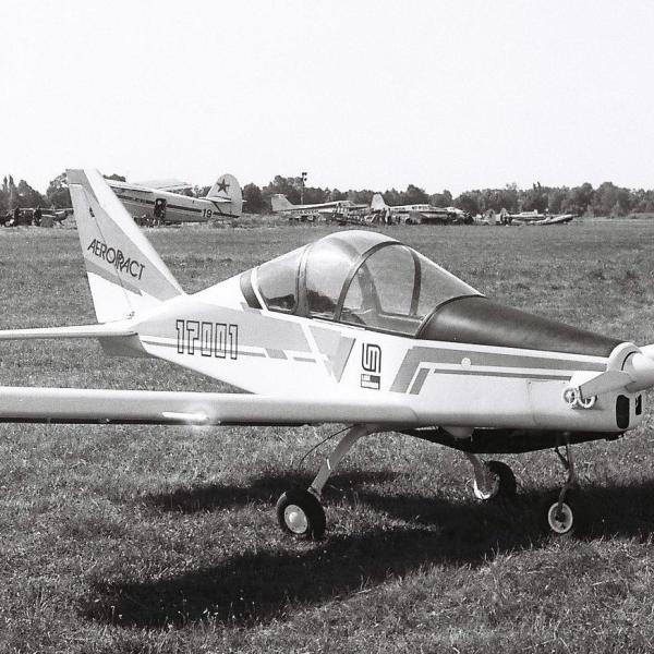 1.Легкий самолет А-21 Соло на СЛА-91.