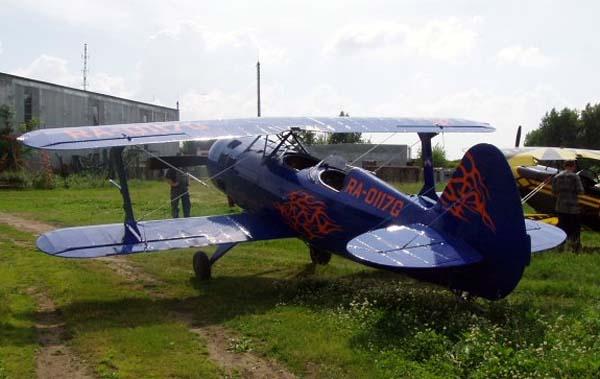 2.Легкий пилотажный самолет Б2М Москит.