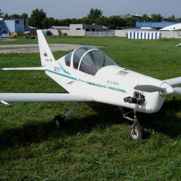 2.Легкий самолет А-21 Соло.