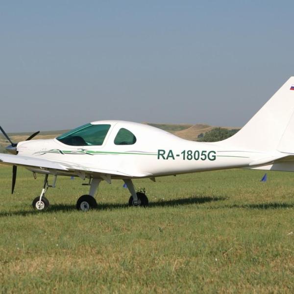 2.Легкий самолет А-33.