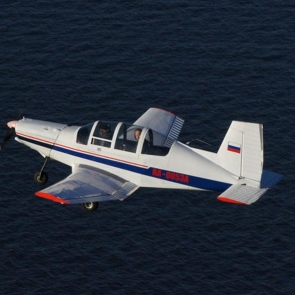 3.Дельфин-10 в полете.