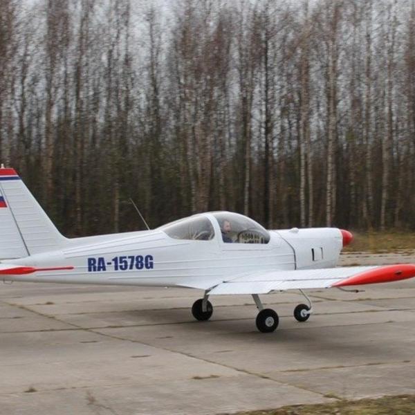 3.Дельфин-2 на рулежке. Кронштадт, аэродром Бычье.