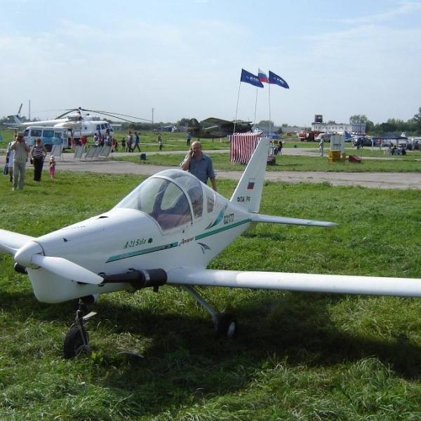 3.Легкий самолет А-21 Соло.