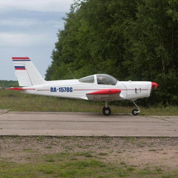 4.Дельфин-2 на рулежке. Кронштадт, аэродром Бычье поле.