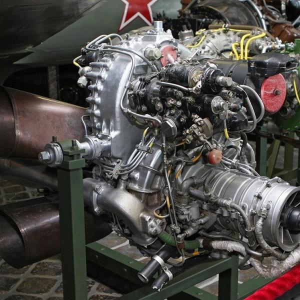 4.Двигатель ГТД-350. Музей Вадима Задорожного.